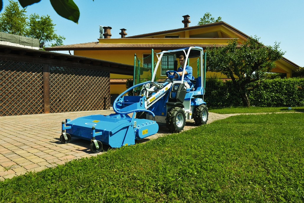 2 Series Small Mini Articulated Loader