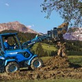 MultiOne mini loader 8 series with multipurpose bucket
