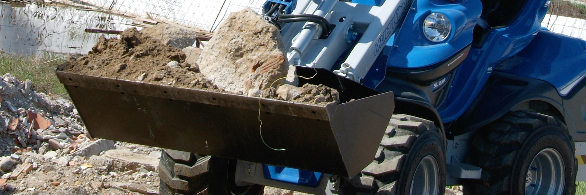 Multione-general-bucket for mini loaders